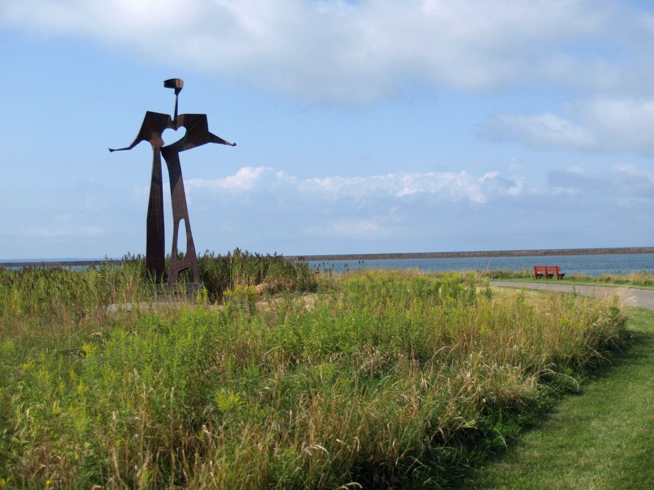 "Video: Larry Griffis, Jr's ""Flat Man"" sculpture moves to the Outer Harbor Buffalo"